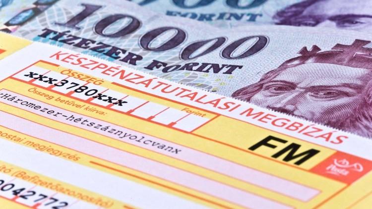 A magyarok többsége időben fizeti be a csekkeket