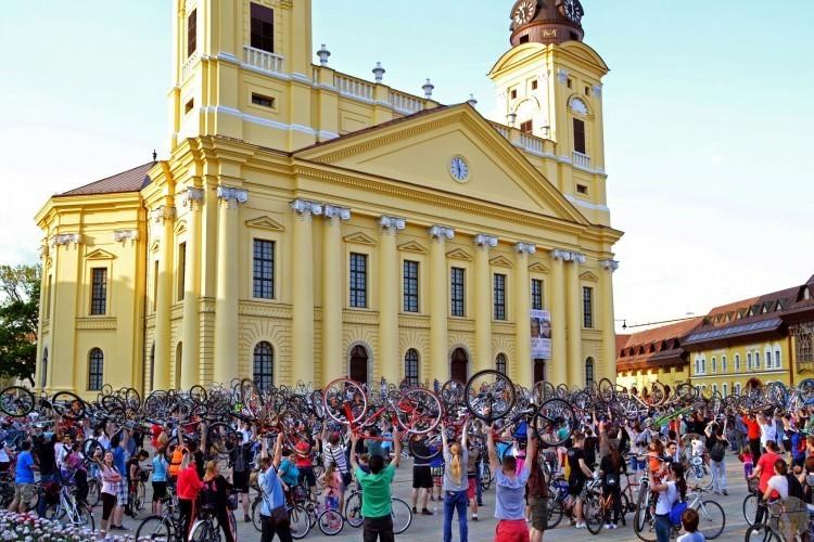 Debrecenben is szemléletváltásra van szükség!
