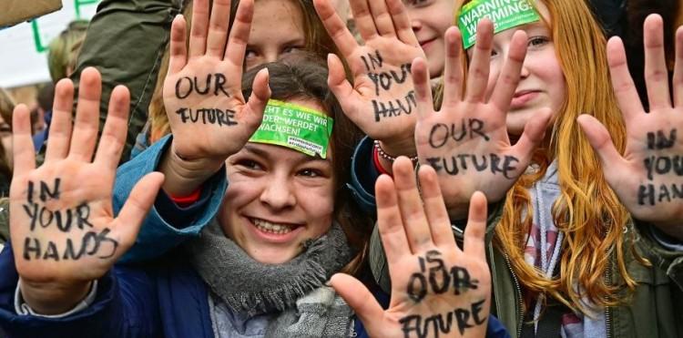 Miskolci tüntetés: a pártzászlókat hagyják otthon!