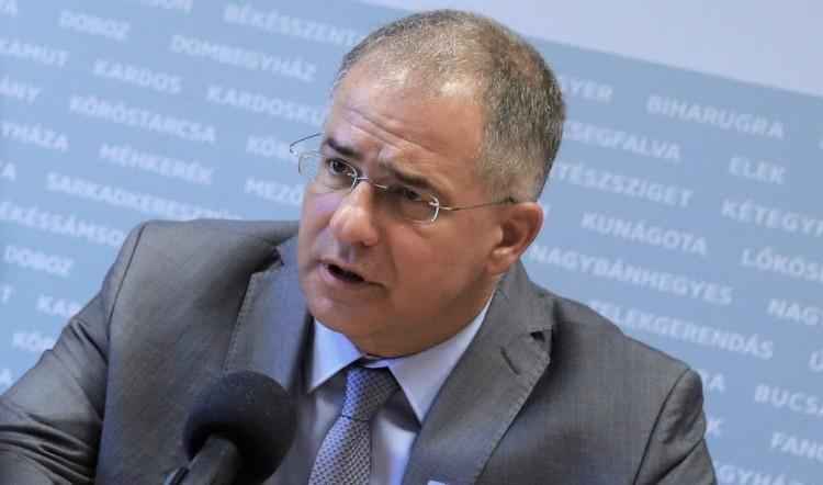 """Kósa Lajos országjárása újabb állomásán is az ellenzék """"háborús modoráról"""" beszélt"""
