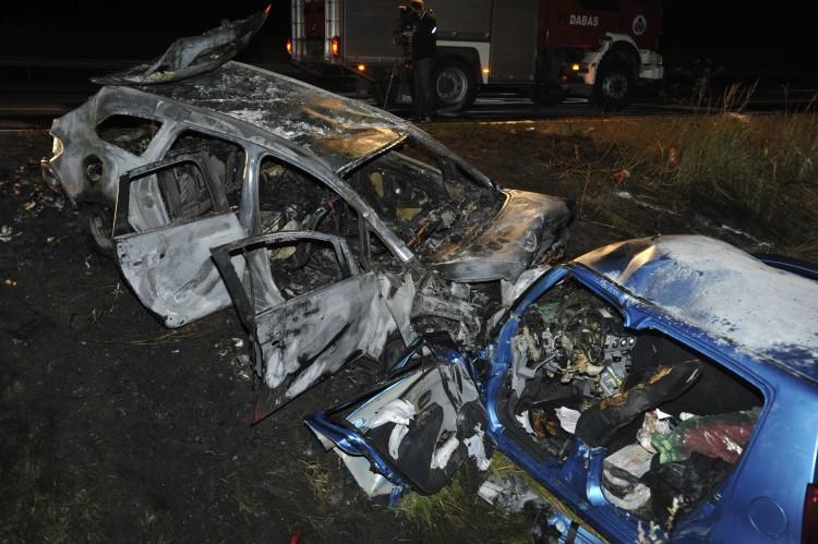 Forgalommal szemben az autópályán: három életbe került