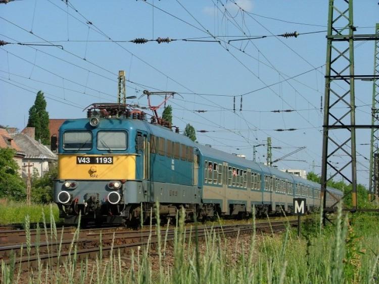 70 percet is késhetnek a vonatok a debreceni vonalon
