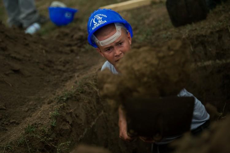 Fura, de van: képeken az országos sírásóverseny