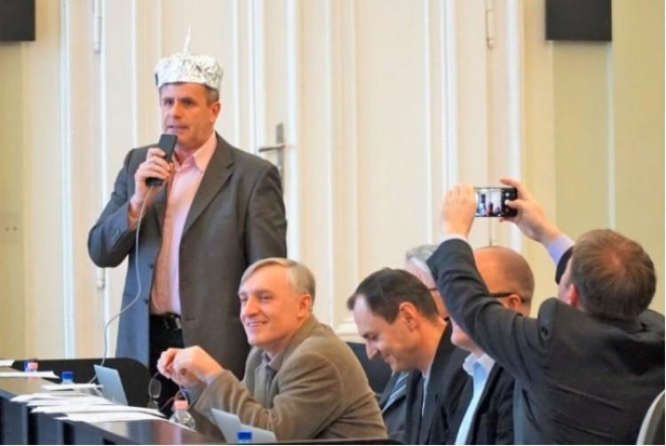 Budapesti nagymenő cikizi a debreceni polgármesterjelöltet