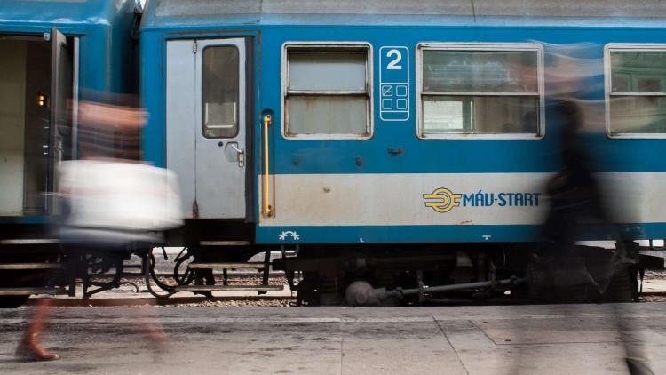 Miskolcon is másképp járnak a vonatok október 23-án