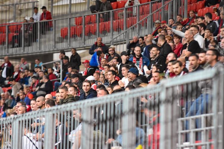 Ingyen utazhatnak a futballszurkolók a DKV-val Debrecenben