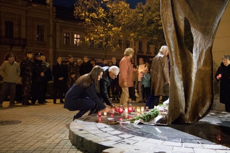Mécsesgyújtással emlékeznek Debrecenben