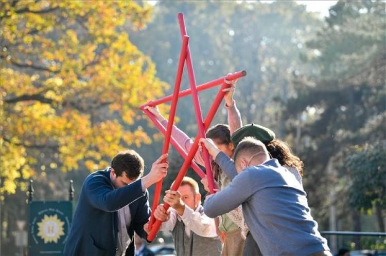 A debreceni egyetemi ifjúság az országban elsőként vonult az utcára
