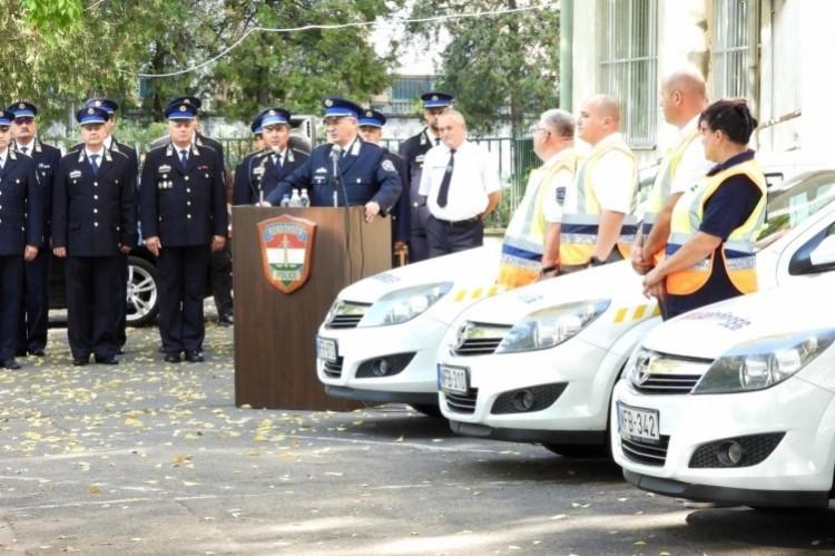 Volt rendőrautókat kaptak polgárőrök Debrecentől Berettyóújfaluig