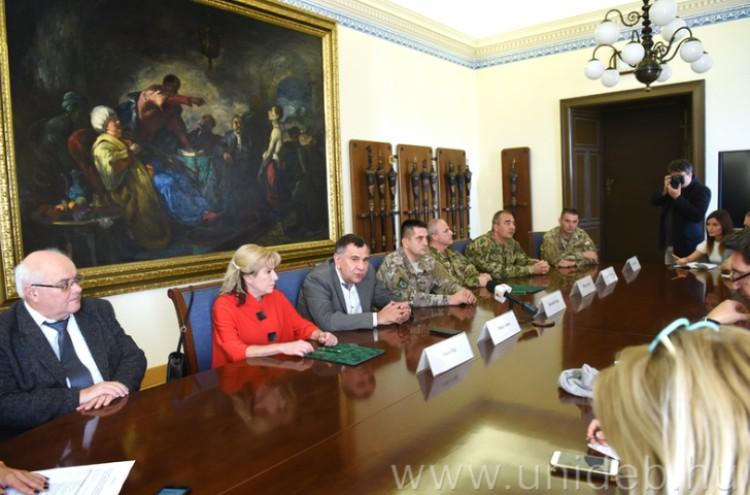 Együttműködik a jövőben a Debreceni Egyetem és a Magyar Honvédség