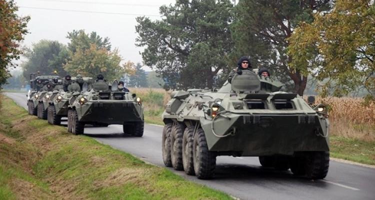 Ellepik a katonai járművek Hajdúhadház és Balmazújváros útjait