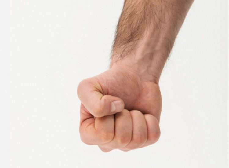 Borzasztó agresszív lett egy féltékeny férj Nádudvaron