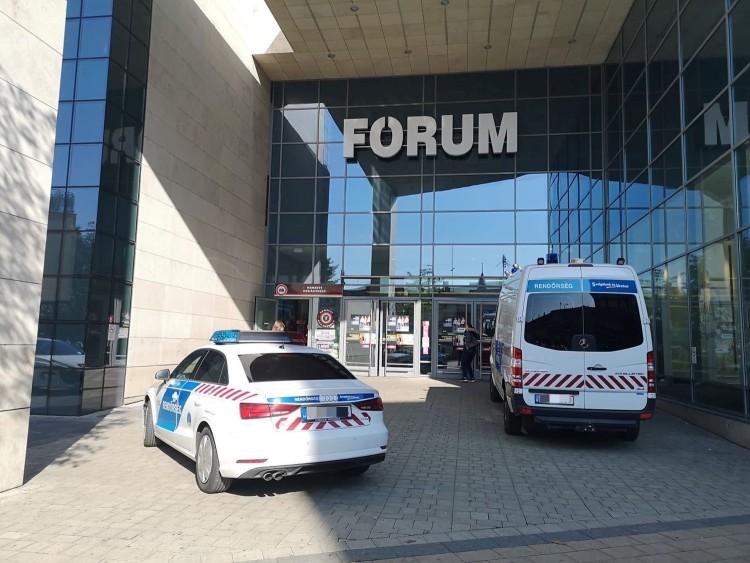 Rablótámadás Debrecen legnagyobb bevásárlóközpontjában! – FRISSÍTÉS