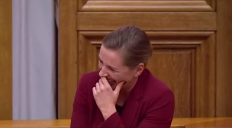 Röhögőgörcsöt kapott a miniszterelnök + VIDEÓ!