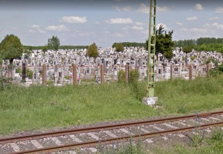 Új kerítést kap a temető Hajdúhadházon