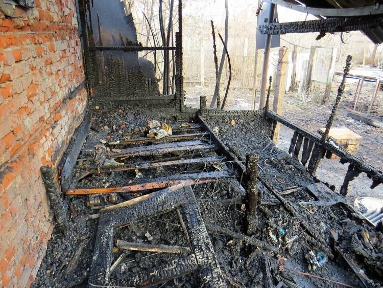 Tüzet akart gyújtani, leégett a háza Debrecenben