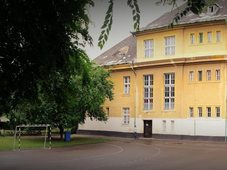 Valami még szükséges a püspökladányi iskola új fűtésének elindulásához