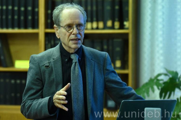 Regensburgból érkezett előadást tartani a foniátria neves kutatója