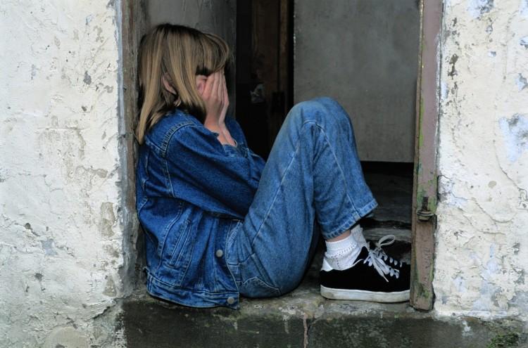 Hétéves lányokat zaklatott a pedofil hitoktató