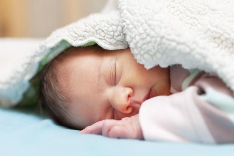 Kisbabát tettek egy alföldi kórház inkubátorába