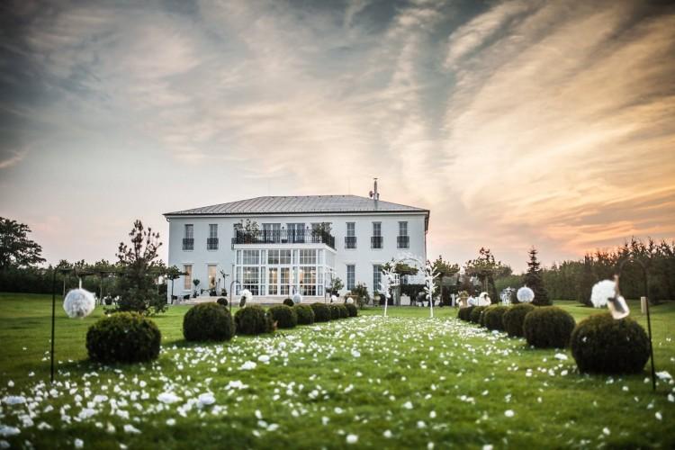 A közelben van az év esküvői helyszíne