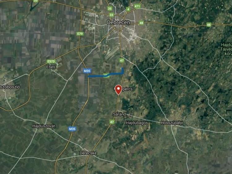 Kamionbaleset sérülttel Debrecen közelében