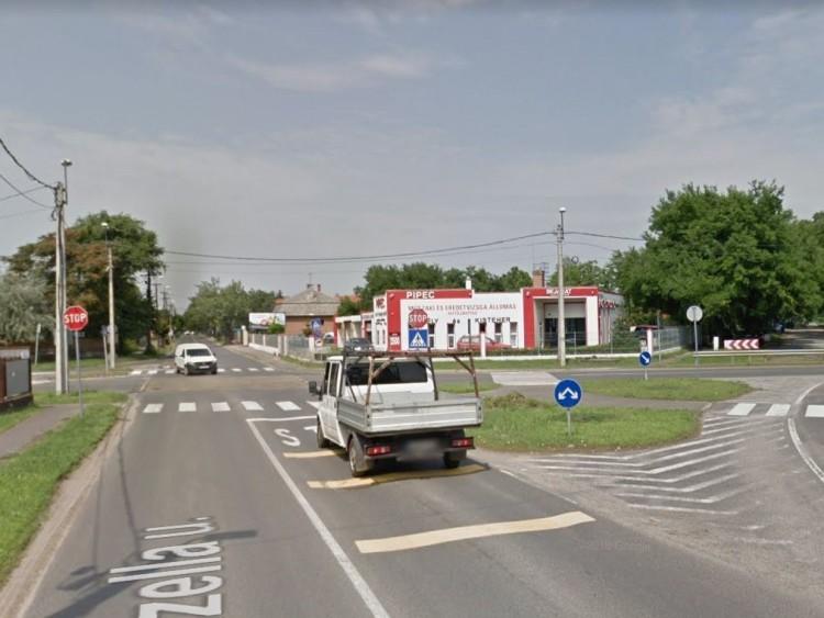 Debreceni önkormányzat: lámpák vagy körforgalom?
