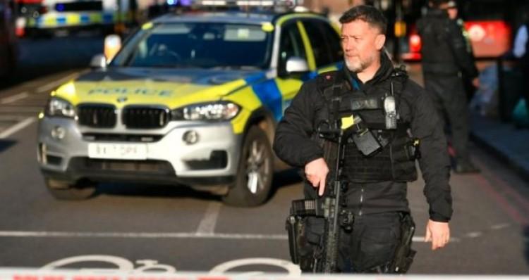 Késelő támadót lőttek agyon Londonban