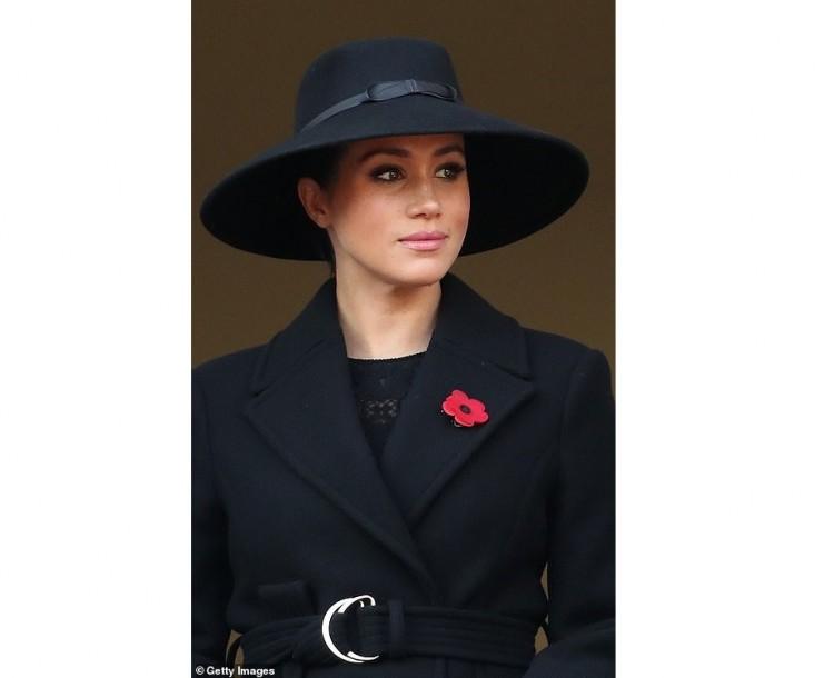 Berettyóújfaluban készült a sussexi hercegné kabátja