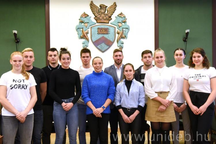 Sztárjainak komoly kedvezményt ad a Debreceni Egyetem