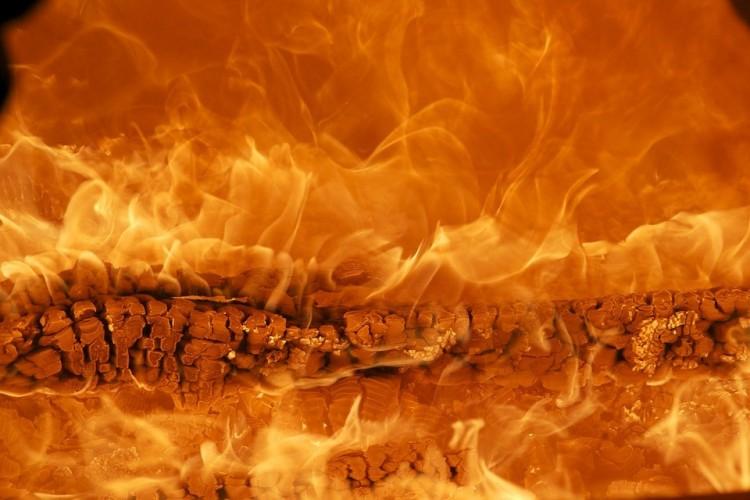 Tűz egy álmosdi házban