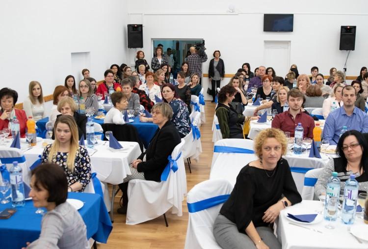 Debrecenben köszönetet mondtak a védőnőknek