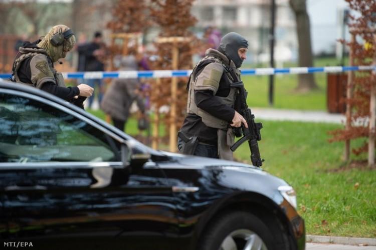 Lövöldöztek egy cseh kórházban, hat ember meghalt