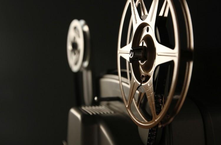 Ingyen lehet megnézni 66 filmet - karácsonyi ajándék mindenkinek