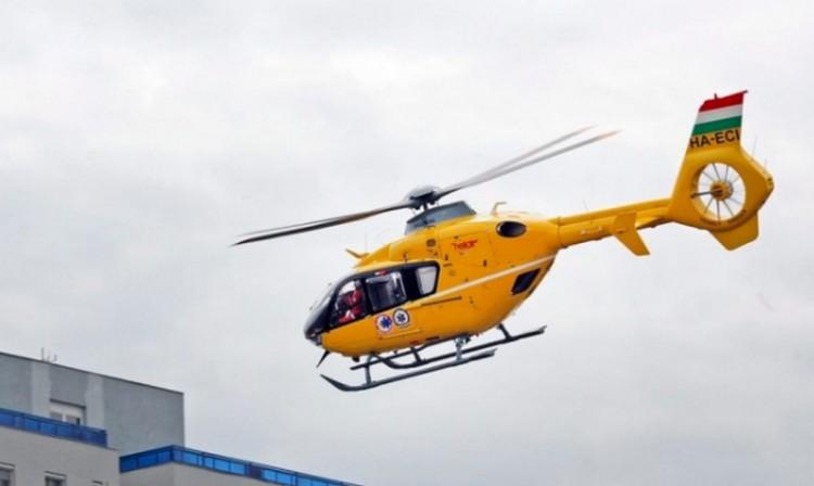 Helikopter hozta Debrecenbe az egri baleset sérültjét