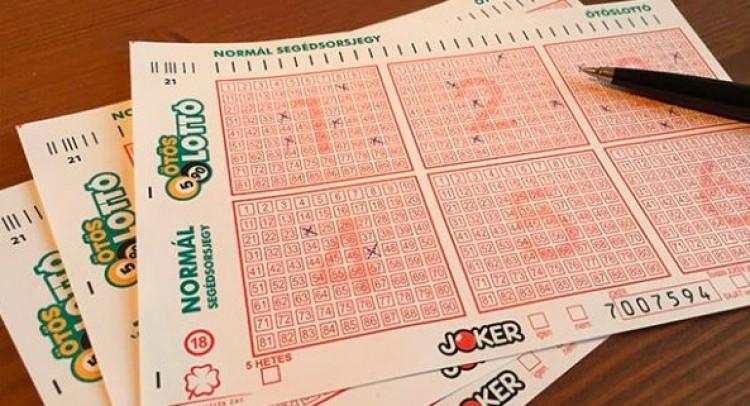 Mennyi? Háromszáz! Drágul a lottószelvény!