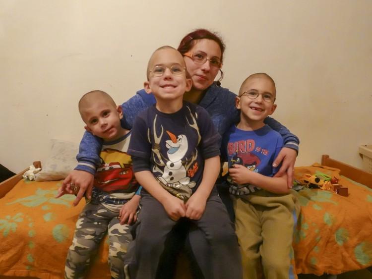 Cívishír-karácsony: háromgyermekes debreceni anyukának segítenénk