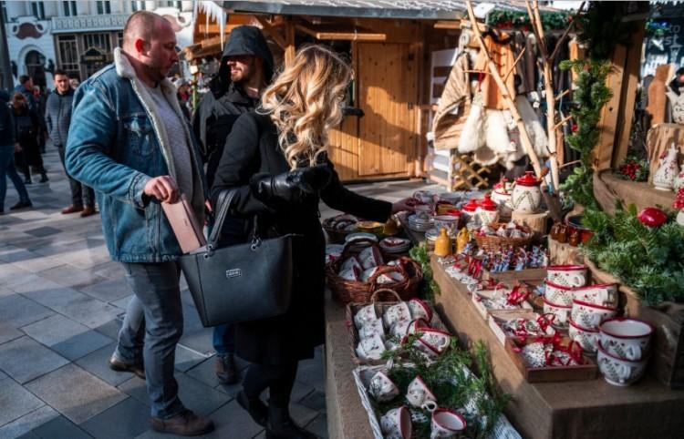 Így lopják a brifkót a zsebtolvajok a vásárban! + FOTÓK!