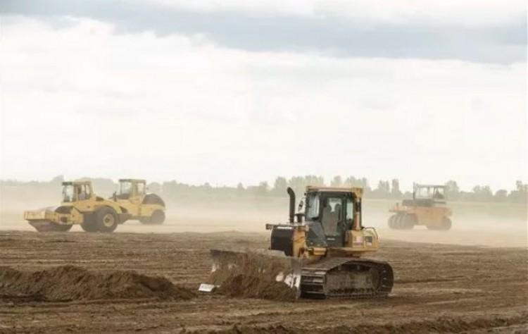 Két hét, és kezdődik a BMW-gyár építése Debrecenben!