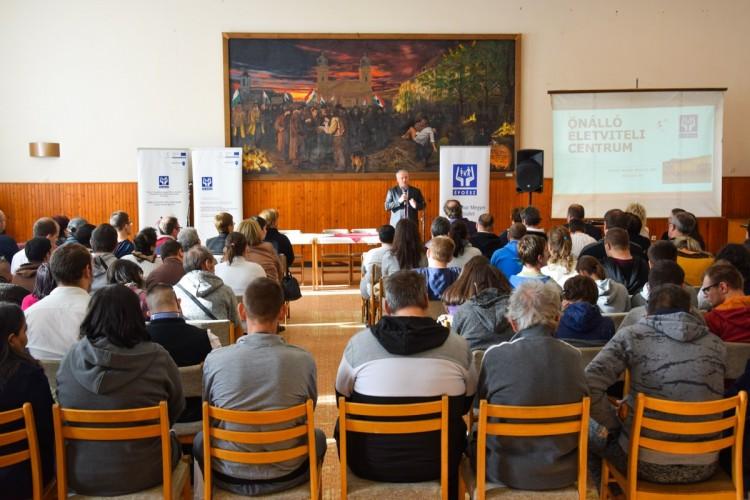 Fogyatékossággal élőket segítő applikációt mutattak be Debrecenben