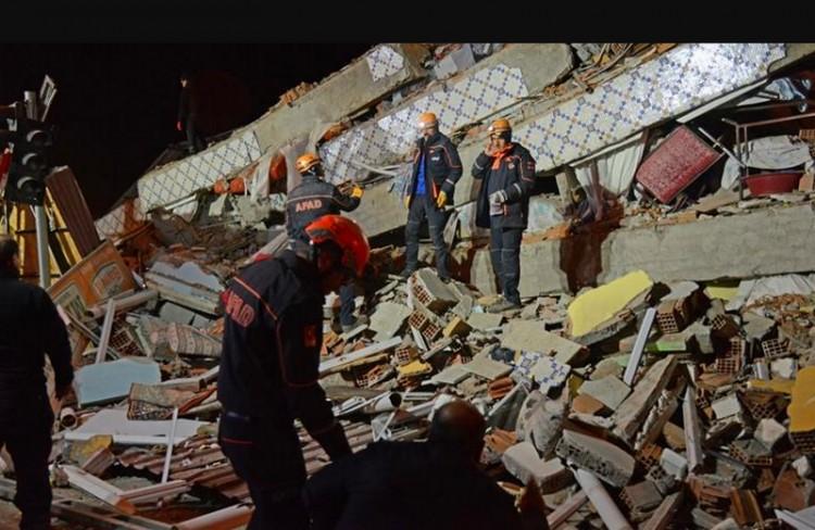 Súlyos földrengés Törökországban: sok a halott