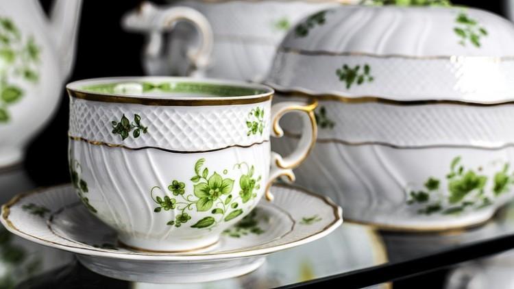 Egykori fideszes polgármester vette meg a hollóházi porcelángyárat
