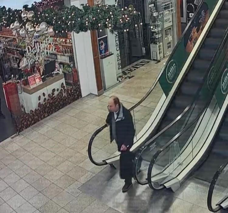 Felismeri? Debrecen belvárosában lopott ez a férfi