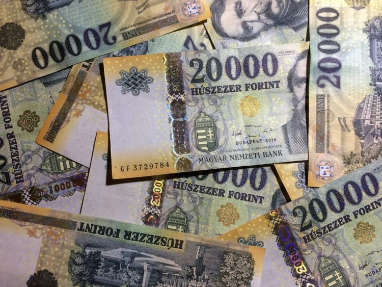 KSH: már 365 100 forint a bruttó átlagkereset