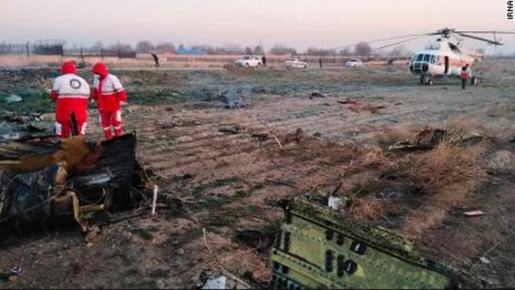 Lezuhant egy ukrán utasszállító: 176 halott