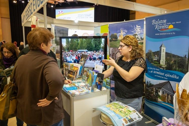 Ezrek szeretnének utazni Debrecenből