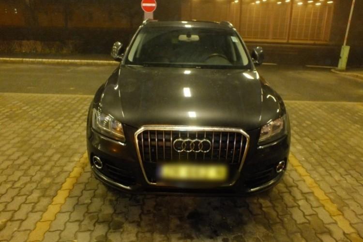 Álruhában jött ez az Audi Biharkeresztesre