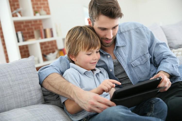 Fel kell készíteni a gyerekeket a biztonságos internetezésre