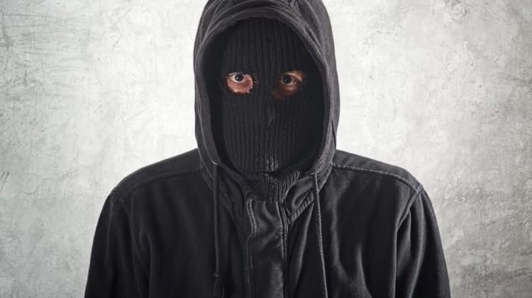 Minősített emberöléssel vádolják a pocsaji asszony támadóit