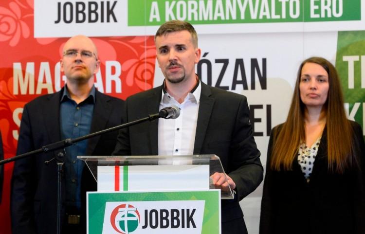 Bomlásnak indult a Jobbik Debrecenben is